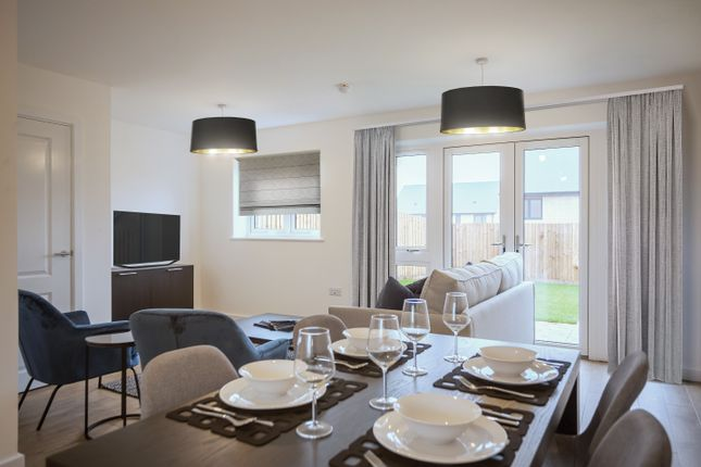 Thumbnail Semi-detached house for sale in London Road, West Thurrock, Grays