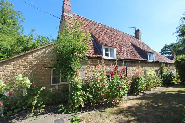 Thumbnail Detached house to rent in High Street, Castle Bytham, Grantham