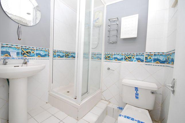 Bathroom of Broomley Court, Fawdon, Newcastle Upon Tyne NE3