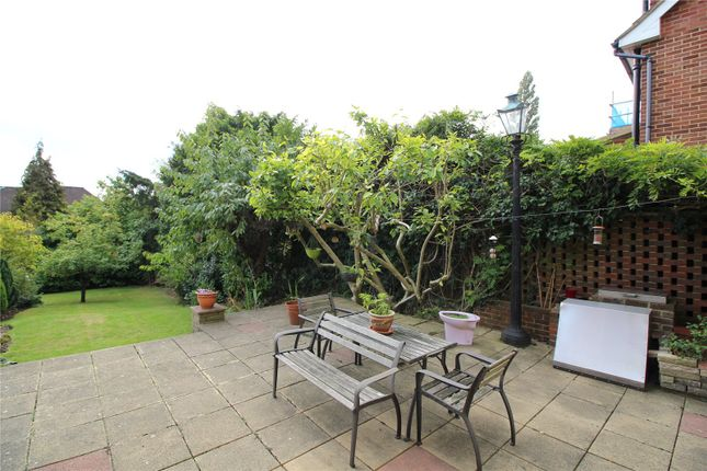 Thumbnail Detached house to rent in Manorside, High Barnet, London