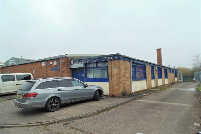 Warehouse to let in Great Barr, Birmingham
