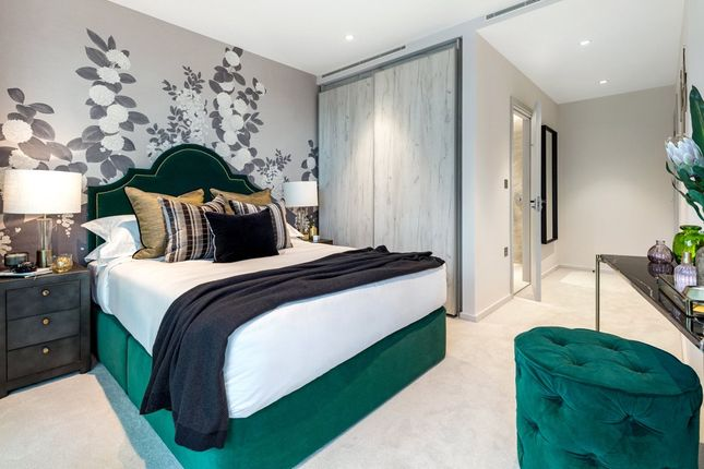 Thumbnail Flat for sale in Onyx Apartments, King's Cross, London