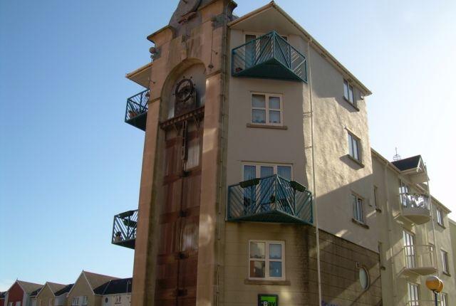 2 bedroom flat to rent in Camona Drive, Marina, Swansea.