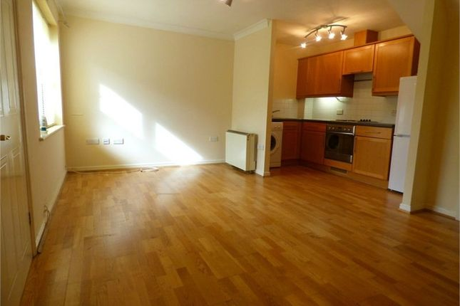 Thumbnail Terraced house to rent in Huntington Place, Langley, Berkshire