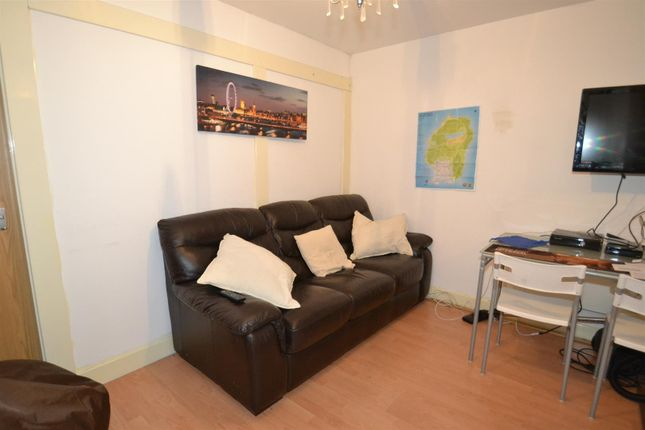 Thumbnail Flat to rent in Richmond House, Lawrence Street, York