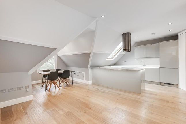 Thumbnail Flat to rent in Muswell Hill Road, London