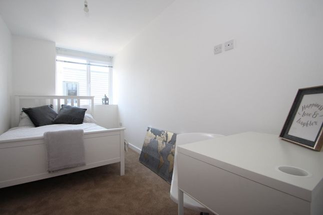 Thumbnail Flat to rent in Enterprise House, Portsmouth