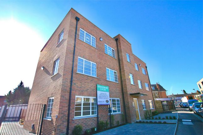 Thumbnail Flat for sale in Stockbury Court, Victoria Road, New Barnet