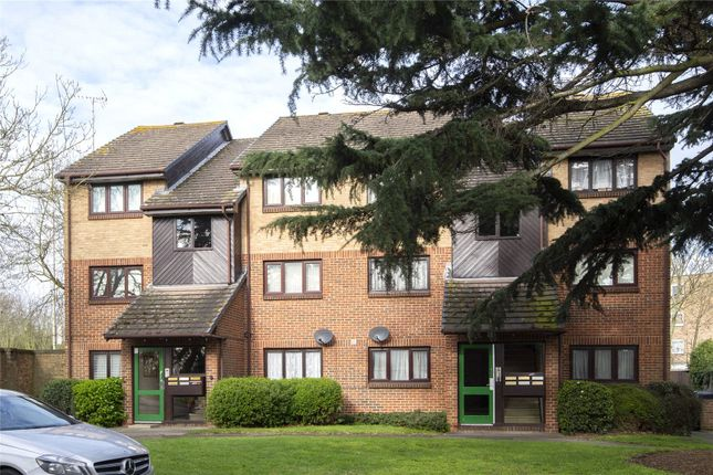 1 bed flat to rent in Alders Close, London E11