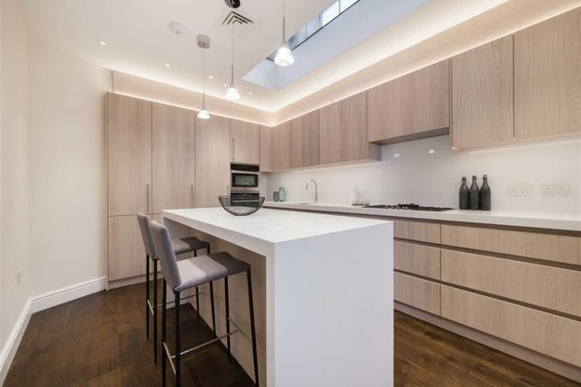 3 bed property for sale in Lancaster Mews, London