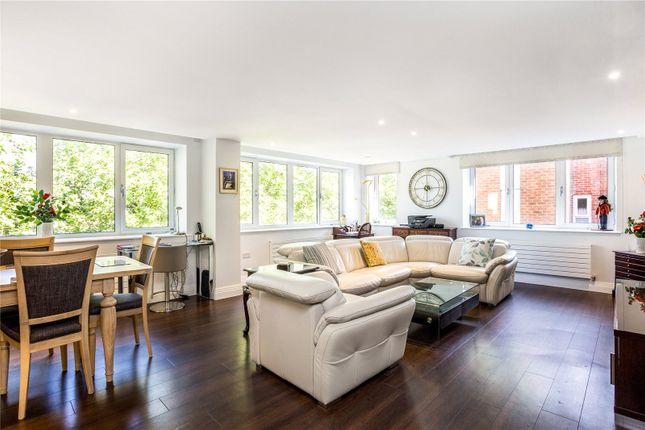 Thumbnail Flat for sale in Thames Avenue, Windsor, Berkshire