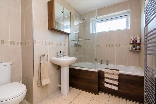 Bathroom of Buttery Gardens, Ruddington, Nottingham NG11