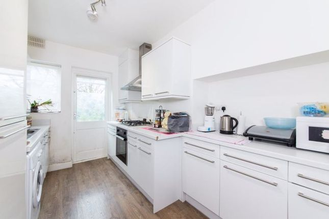 Flat to rent in Denison Close, East Finchley