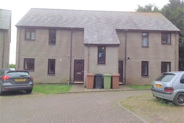 Thumbnail Flat to rent in Pavlova Close, Liskeard
