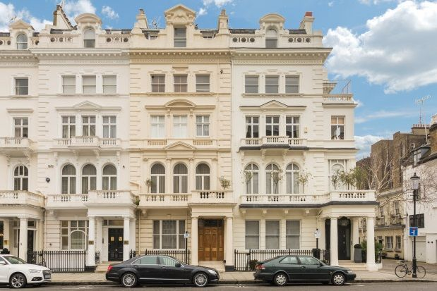 Queen 39 s gate terrace south kensington sw7 2 bedroom flat for Queens gate terrace