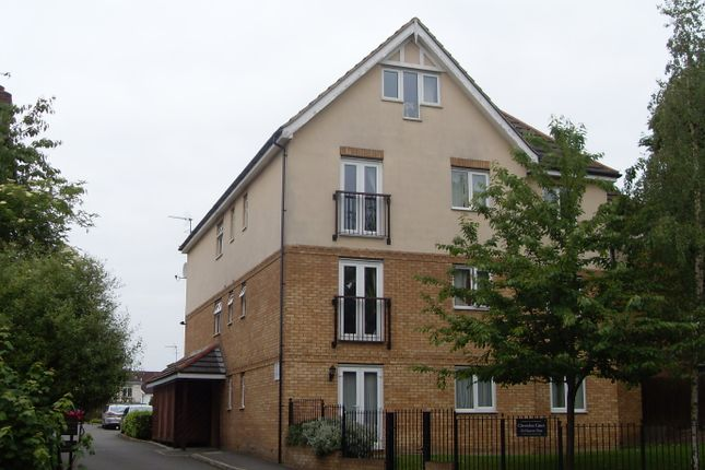 Thumbnail Flat to rent in Harrow On The Hill, Middlesex
