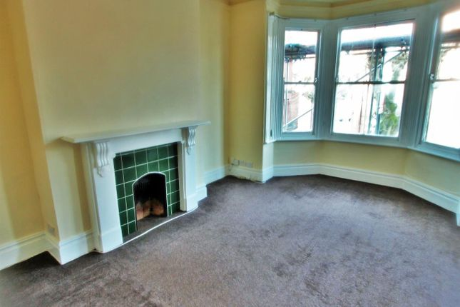 2 bed flat to rent in St. James Road, Leicester LE2