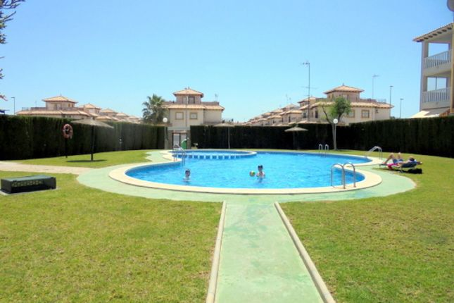 2 bed bungalow for sale in Alicante, Spain