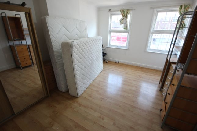 Thumbnail Flat to rent in Watling Avenue, Burnt Oak, Edgware