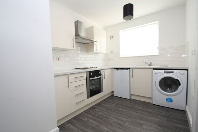 Thumbnail Flat to rent in Kirkby Road, Hemsworth, Pontefract