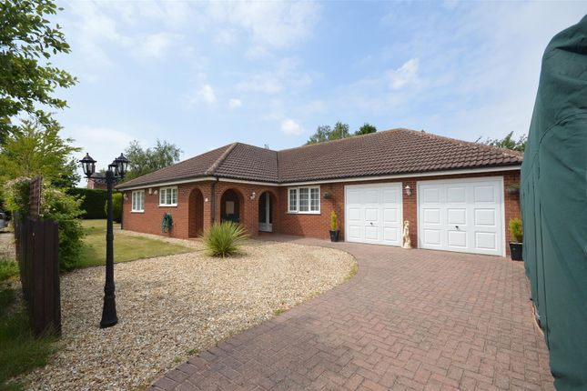 Bungalow for sale in Newton Close, Swinderby, Lincoln