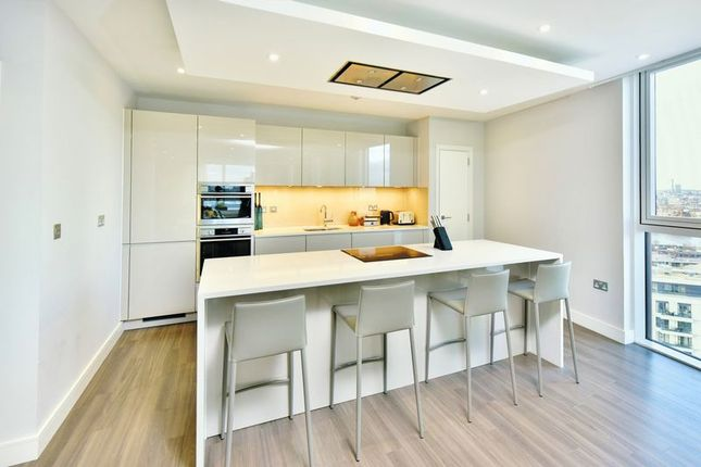 Flat for sale in The Penthouses, Pinto Tower, Nine Elms Point