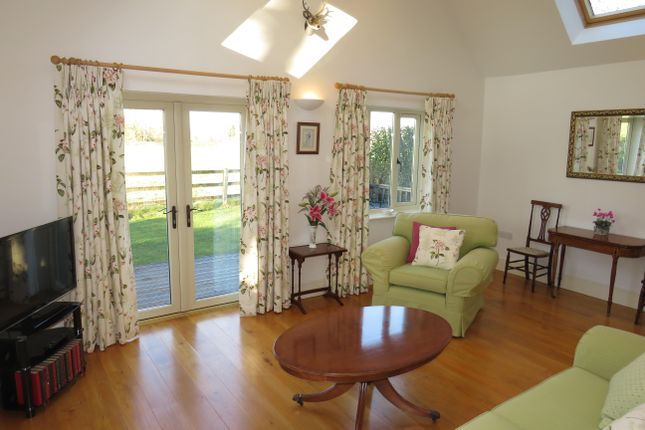 Thumbnail Property to rent in Woodlands, Pickwick, Corsham