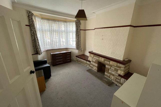 Thumbnail Terraced house to rent in Meads Lane, Ilford