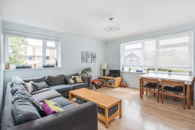 Thumbnail Flat to rent in Forsyth Gardens, Kennington, London