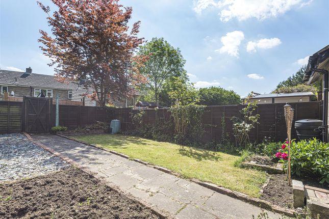 601962 (2) of Patten Ash Drive, Wokingham, Berkshire RG40