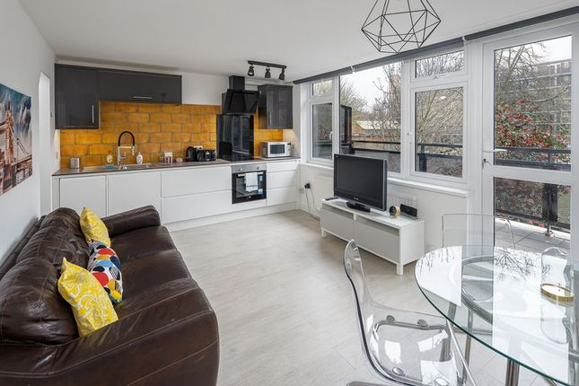 Thumbnail Flat to rent in New Place Square, Drummond Road, Bermondsey
