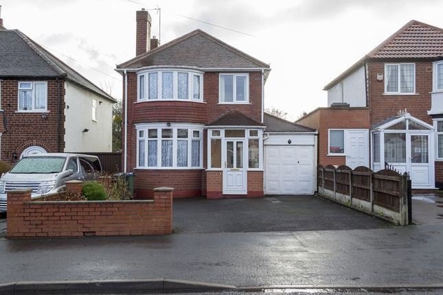 Thumbnail Detached house for sale in Queens Drive, Rowley Regis