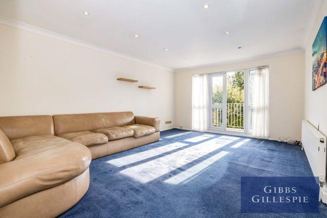 Thumbnail Flat to rent in Heath Lodge, Bushey Heath