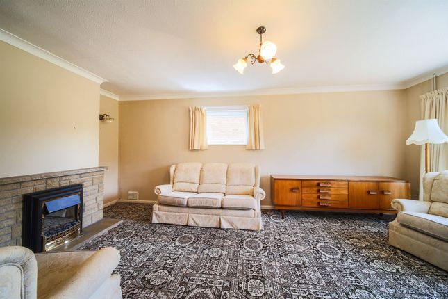Thumbnail Bungalow for sale in Stone Road, Toftwood, Dereham