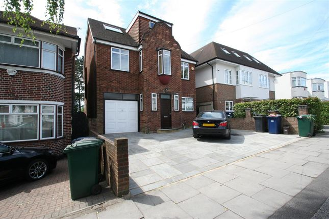 Thumbnail Detached house to rent in Green Walk NW4, Hendon