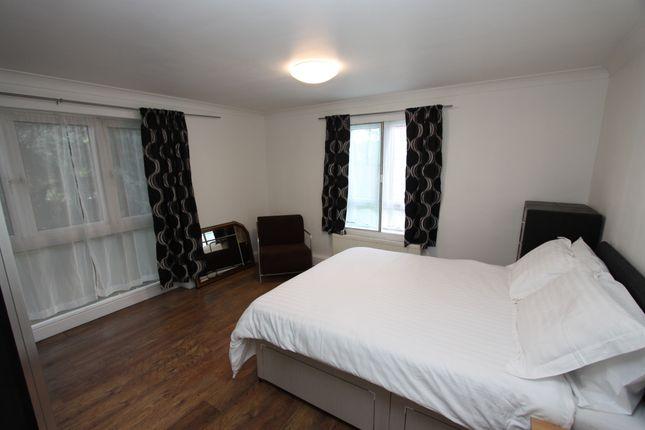 Thumbnail Flat to rent in Lakeside Lodge, Bridge Lane, London