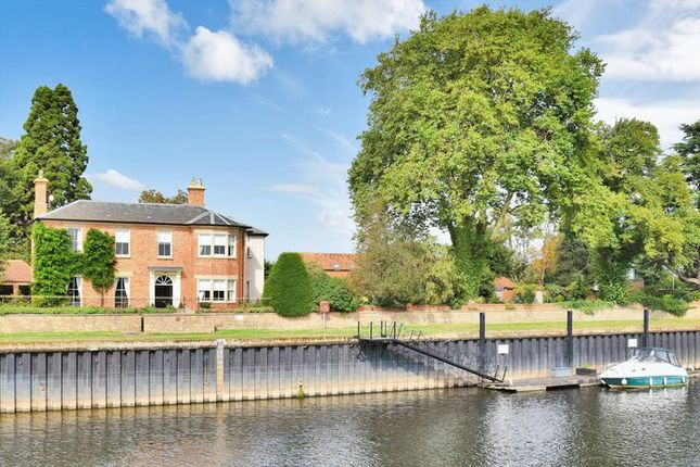 Thumbnail Property for sale in Rolleston Road, Fiskerton, Southwell