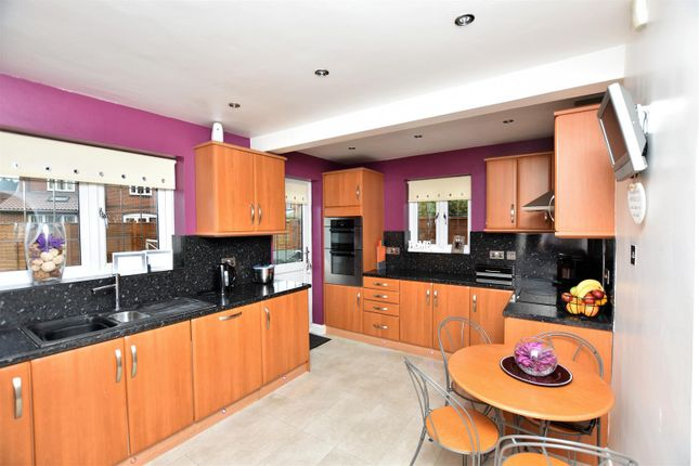 Thumbnail Detached house for sale in Bullivant Close, Greenhithe