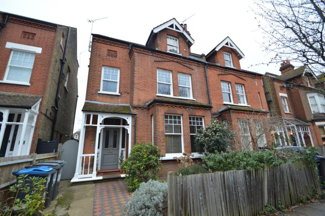 1 bed flat to rent in Victoria Avenue, Surbiton KT6