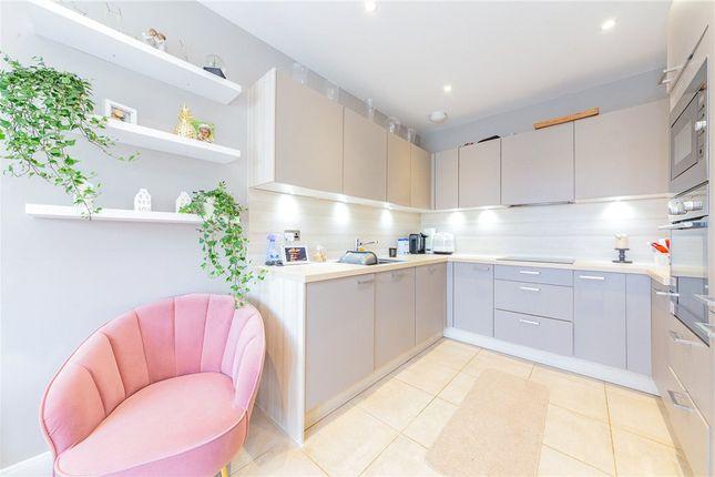 Kitchen Alt of Pipistrelle, Fleet, Hampshire GU51