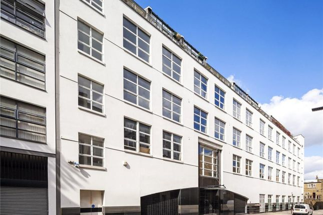 Thumbnail Flat for sale in Carlow House, Regents Park