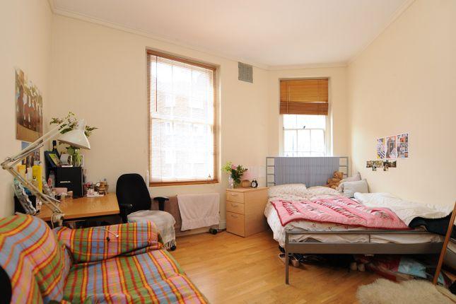 3 bed flat to rent in Tysoe Street, Farringdon EC1R
