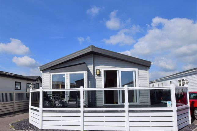 3 bed mobile/park home for sale in Pevensey Bay Holiday Park, Pevensey Bay BN24
