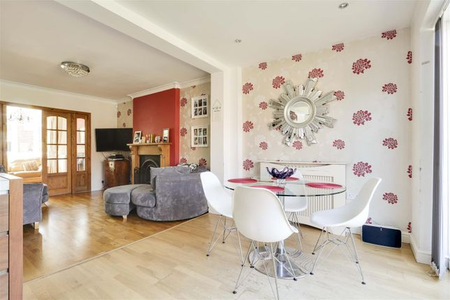 18453 of Kingswell Road, Arnold, Nottinghamshire NG5