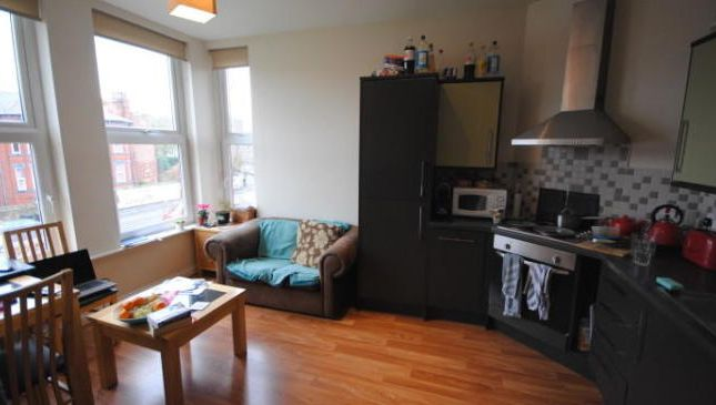 Photo 4 of Flat 6, Hyde Park, 79 Brudenell Grove, Hyde Park LS6