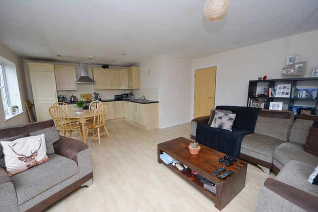 Thumbnail Flat to rent in Tapton Lock Hill, Chesterfield