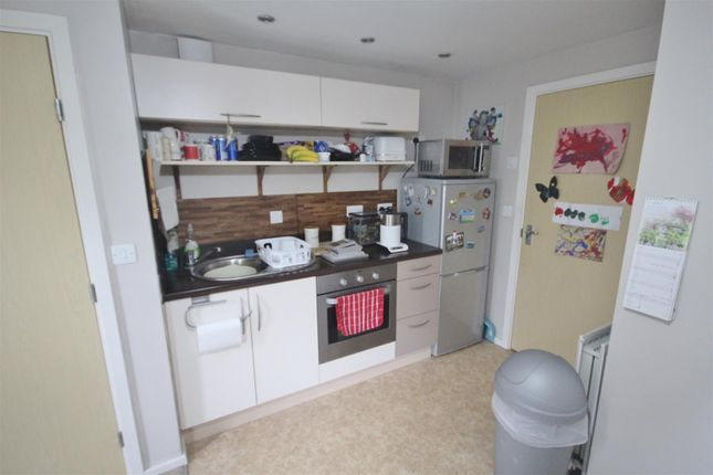 Kitchen of Clog Mill Gardens, Selby YO8