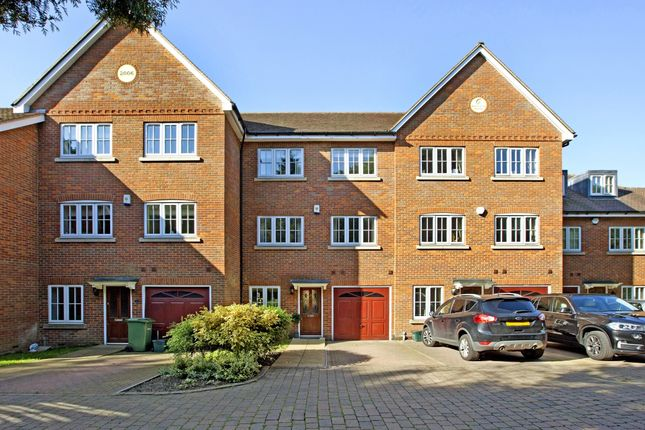 Thumbnail Town house to rent in St. Andrews Drive, St.Albans