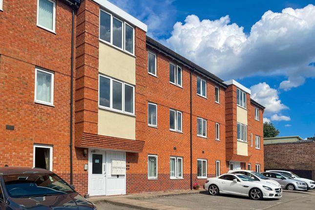 Thumbnail Flat to rent in Westgate Close, Warwick