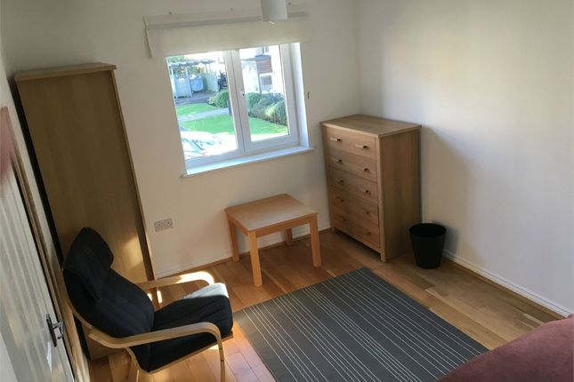 Thumbnail Room to rent in Blackburn Way, Hounslow